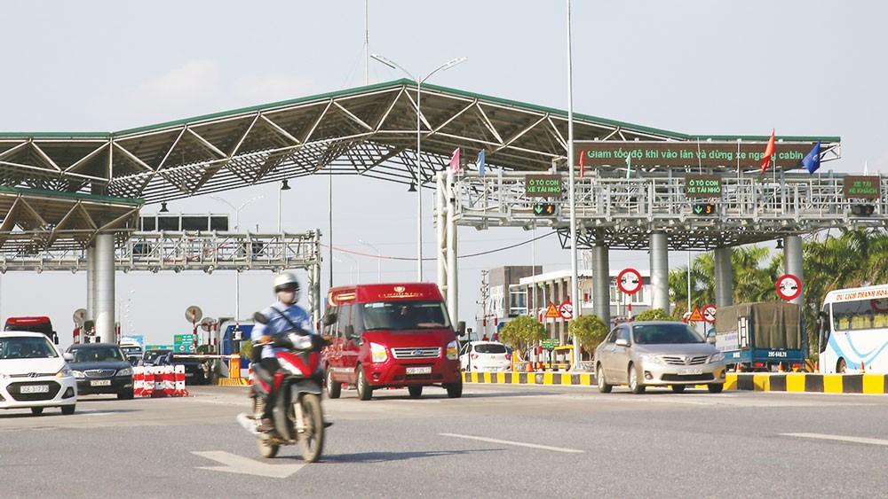 Trong năm 2018, Tổng cục Đường bộ Việt Nam sẽ tiếp tục rà soát, điều chỉnh phương án tài chính các dự án BOT theo quy định. Ảnh: Lê Tiên
