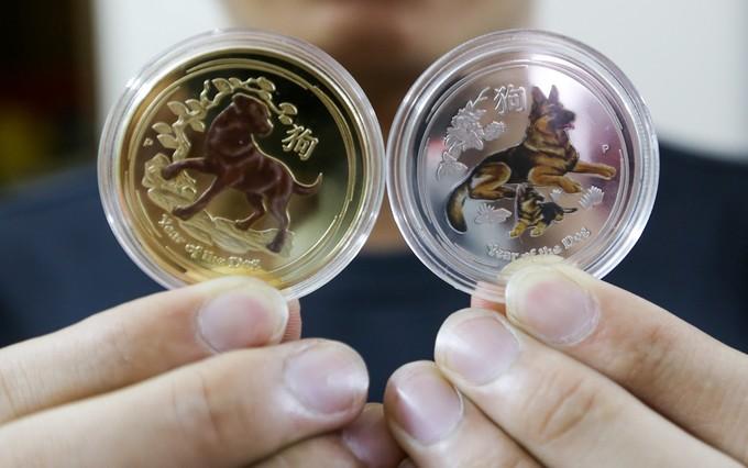 Săn tiền in hình linh vật Tết Mậu Tuất để lì xì ở Sài Gòn - ảnh 7