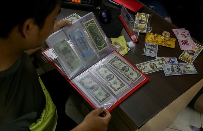 Săn tiền in hình linh vật Tết Mậu Tuất để lì xì ở Sài Gòn - ảnh 8