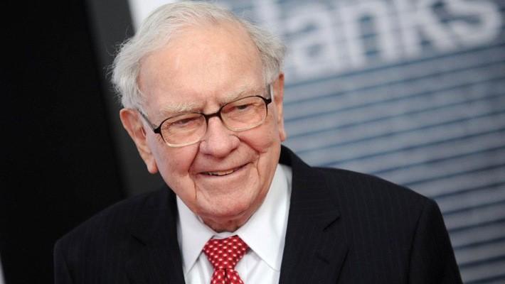 Nhà đầu tư, tỷ phú Warren Buffett - Ảnh: AP/Business Insider.