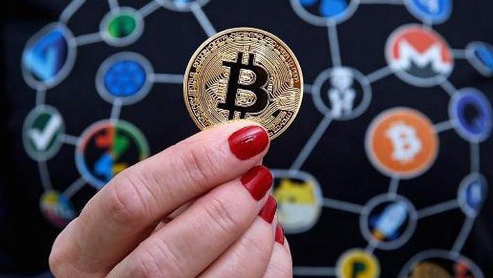 Dù giữ quan điểm thận trọng với Bitcoin và các đồng tiền ảo khác, nhiều nước đã xem xét ý tưởng phát hành đồng tiền ảo của riêng mình - Ảnh: Getty/CNBC.