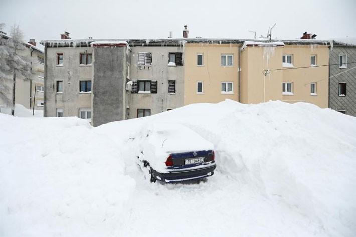 Hình ảnh siêu bão tuyết phủ trắng châu Âu - ảnh 3