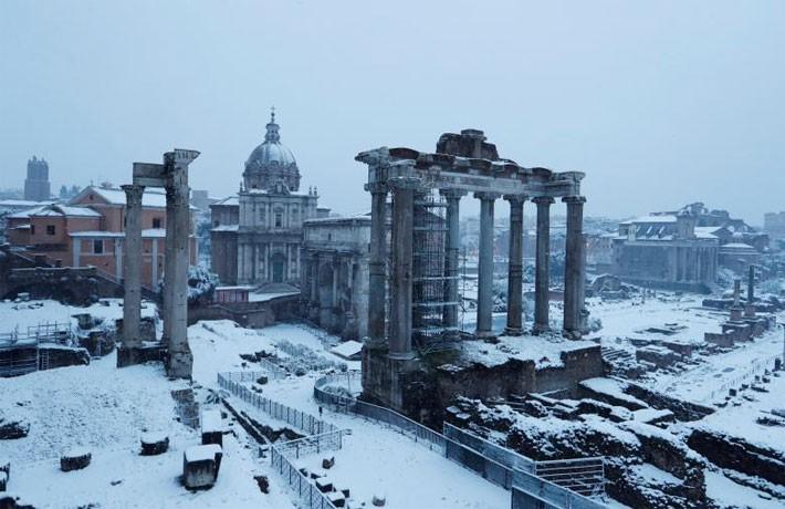 Hình ảnh siêu bão tuyết phủ trắng châu Âu - ảnh 5