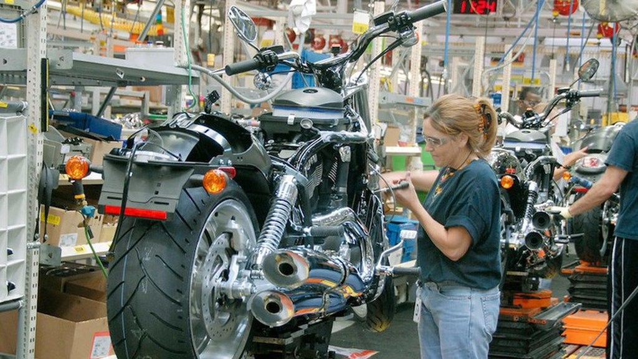 Bên trong một nhà máy sản xuất xe máy Harley-Davidson ở Kansas, Mỹ