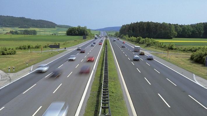 Bộ Xây dựng cho rằng không thể làm mẫu 1km đường cao tốc để tính suất đầu tư - Ảnh minh hoa.