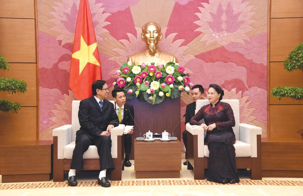 Chủ tịch Quốc hội Nguyễn Thị Kim Ngân tiếp Phó Chủ tịch Quốc hội Myanmar Aye Thar Aung. Ảnh: Vũ Lâm Hiển