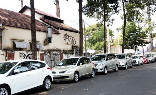 Từ ngày 1/6 phí đậu ôtô ở TP HCM tăng ít nhất năm lần - ảnh 2