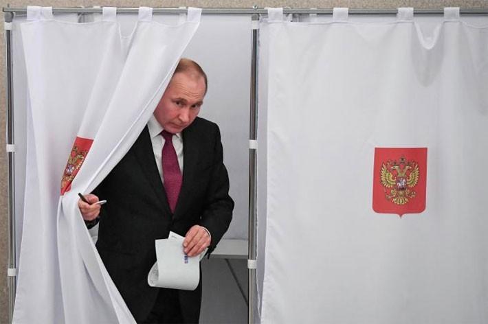 Người Nga ăn mừng ông Putin tái đắc cử Tổng thống - ảnh 1