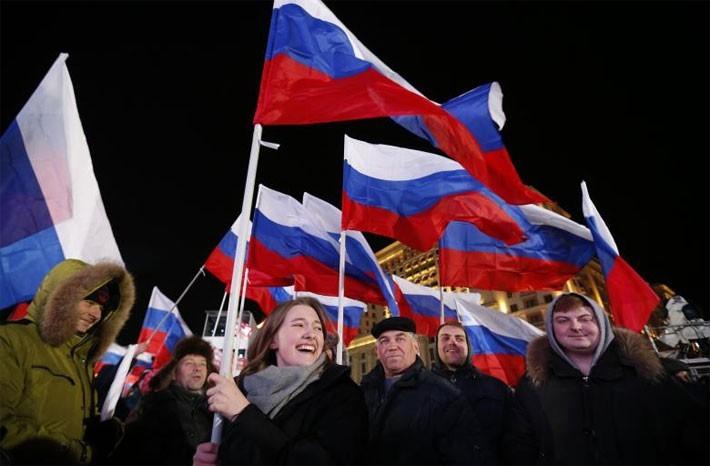 Người Nga ăn mừng ông Putin tái đắc cử Tổng thống - ảnh 6
