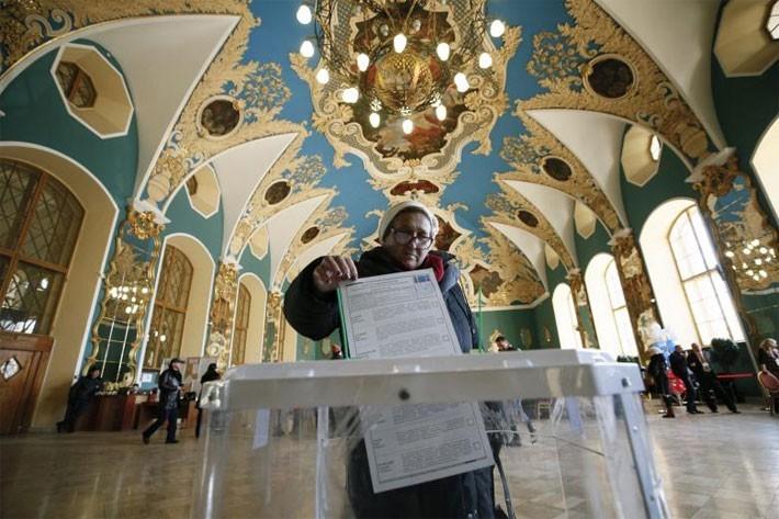 Người Nga ăn mừng ông Putin tái đắc cử Tổng thống - ảnh 8