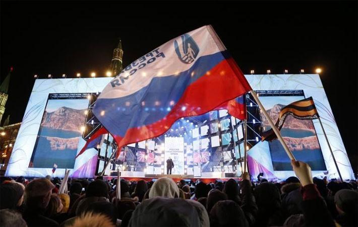 Người Nga ăn mừng ông Putin tái đắc cử Tổng thống - ảnh 9