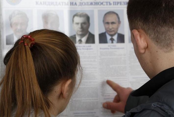 Người Nga ăn mừng ông Putin tái đắc cử Tổng thống - ảnh 11
