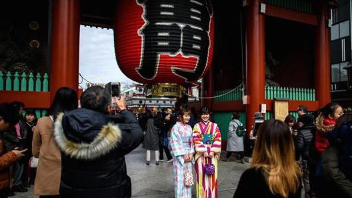 Nhiều ngành kinh tế lớn của Nhật đang hưởng lợi rõ rệt từ sự tăng trưởng mạnh mẽ của du lịch - Ảnh: Getty/CNBC.