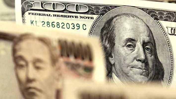 Được giới đầu tư coi là một tài sản an toàn nên đồng Yên thường tăng giá mỗi khi thị trường tài chính biến động mạnh hoặc xuất hiện rủi ro lớn - Ảnh: Japan Times.