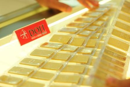 Vàng miếng được bày bán tại một cửa hàng ở Hà Nội. Ảnh: PV.