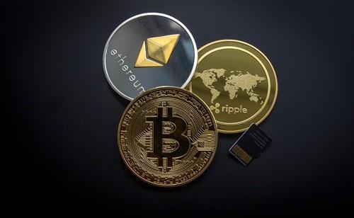 Bitcoin, Ethereum và Ripple là 3 loại tiền kỹ thuật số phổ biến nhất hiện nay. Ảnh:eCoin