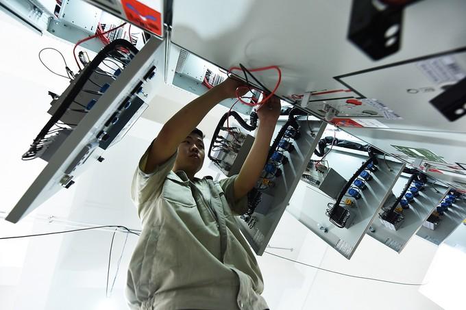 Nhà thầu tăng thêm công nhân cho dự án đường sắt Cát Linh - Hà Đông - ảnh 6