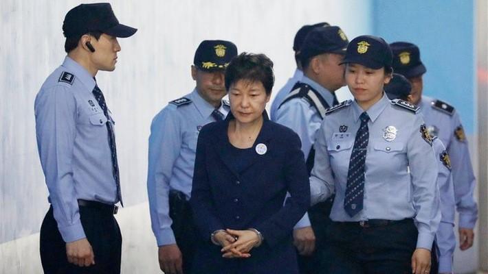 Cựu tổng thống Hàn Quốc Park Geun-hye tại tòa án vào tháng 5/2017 - Ảnh: Nytimes.