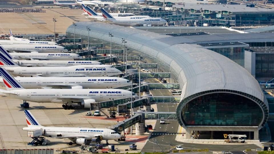 Top những sân bay bận rộn nhất thế giới - ảnh 10