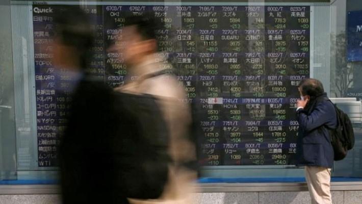 Các nhà đầu tư chứng khoán châu Á dường như không lo ngại nhiều về vụ tấn công Syria - Ảnh: Reuters.
