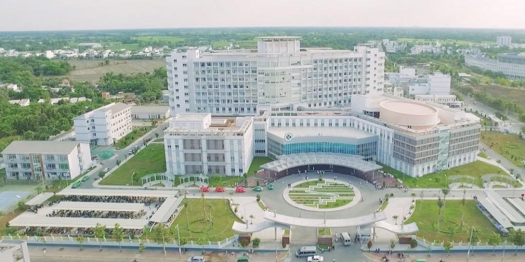 Nhà thầu đặt câu hỏi Bệnh viện Đa khoa Trung tâm An Giang chỉ có 1 địa chỉ duy nhất, việc quy định số chi nhánh nhằm giải quyết vấn đề gì? Ảnh minh họa: Internet