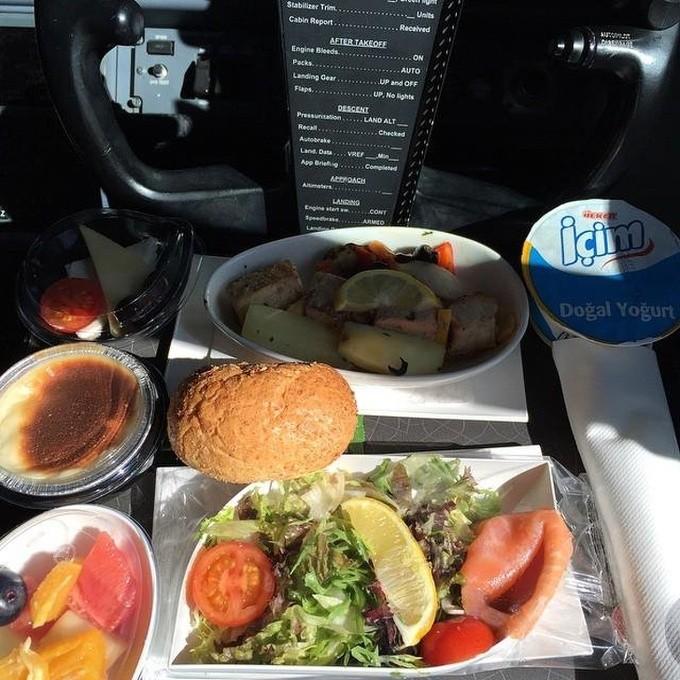 Bữa trưa của lao động các ngành nghề trên thế giới - ảnh 4