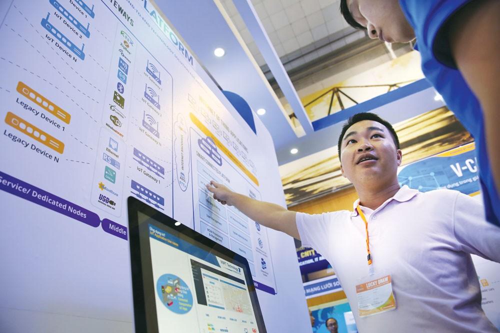 """Cách mạng công nghiệp 4.0 là """"cơ hội bây giờ hoặc không bao giờ"""". Ảnh: Lê Tiên"""