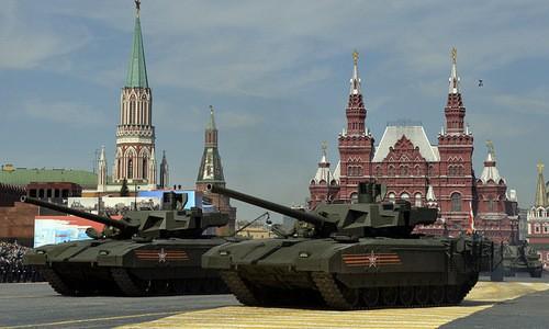 Siêu tăng T-14 Armata duyệt binh trên Quảng trường Đỏ năm 2017. Ảnh:Sputnik.