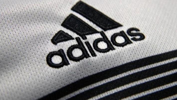 Việt Nam hiện là một cơ sở gia công lớn giày Adidas - Ảnh: Reuters.