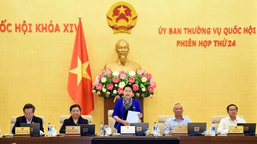 Chủ tịch Quốc hội Nguyễn Thị Kim Ngân phát biểu khai mạc Phiên họp. Ảnh: Lâm Hiển