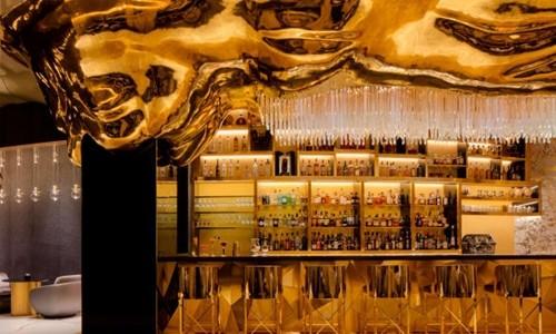 Quầy bar Gold on 27 tạiBurj Al Arab. Ảnh:CNN