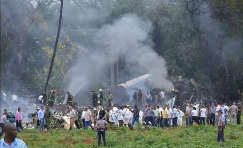 Máy bay chở hơn 100 người rơi ở Cuba - ảnh 1