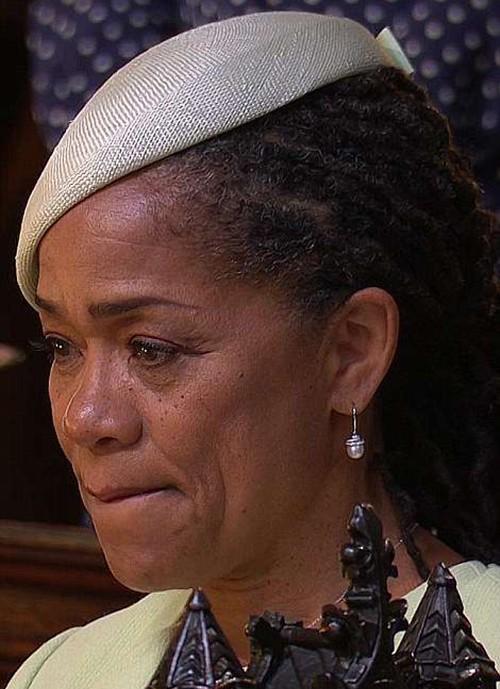 Những khoảnh khắc ấn tượng trong lễ cưới Hoàng tử Anh - ảnh 11