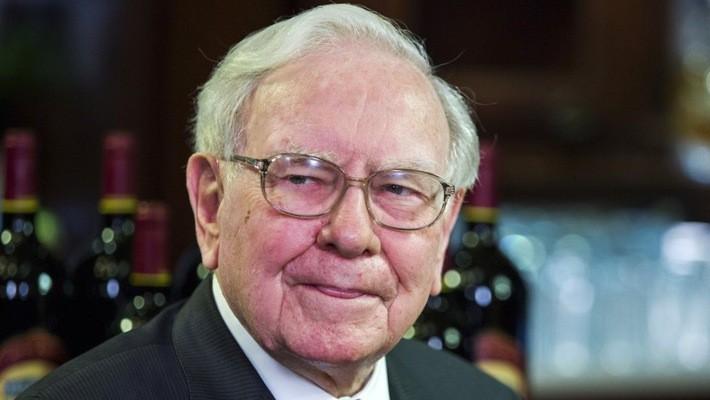 Tỷ phú Warren Buffett có bằng Đại học Columbia - Ảnh: Reuters.