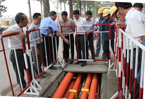 Lãnh đạo EVNHCMC kiểm tra thi công các công trình ngầm hóa