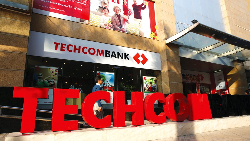 Khối lượng CP tăng thêm 200% sau khi lên sàn theo phương án tăng vốn điều lệ khiến Techcombank đối mặt với rủi ro pha loãng EPS. Ảnh: Lê Tiên
