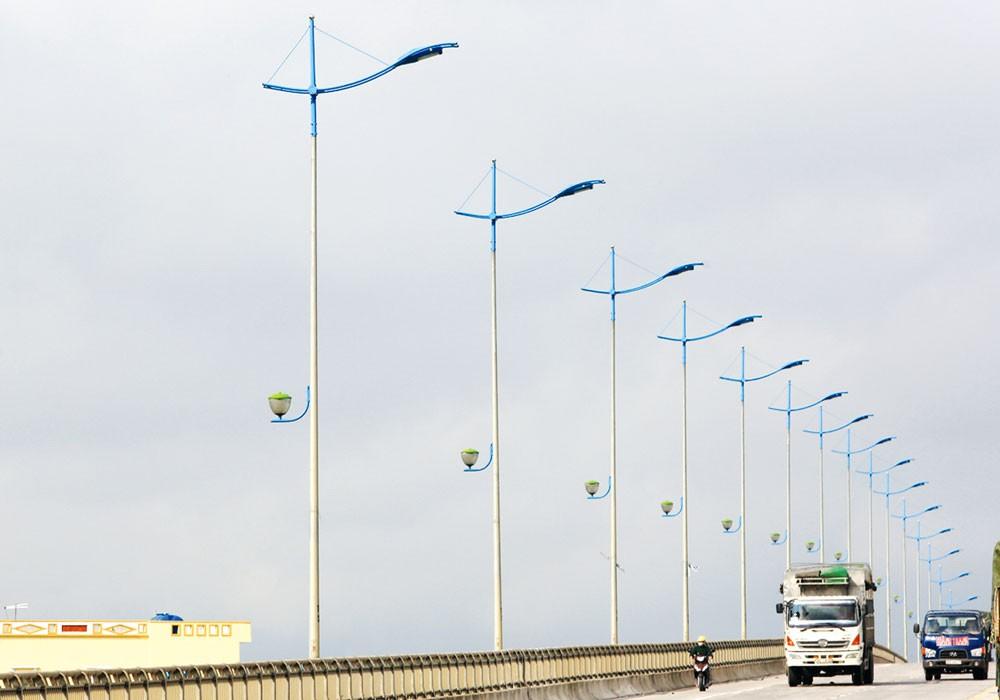 Gói thầu Xây lắp hệ thống chiếu sáng Quảng Trị thuộc Dự án Phát triển các đô thị dọc hành lang tiểu vùng sông Mê Kông tỉnh Quảng Trị. Ảnh: Hoài Tâm