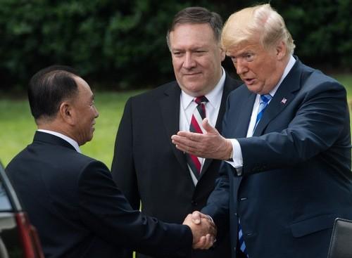 Tổng thống Trump đón phái viên Kim Yong-chol tại Nhà Trắng hôm 1/6. Ảnh:AFP.
