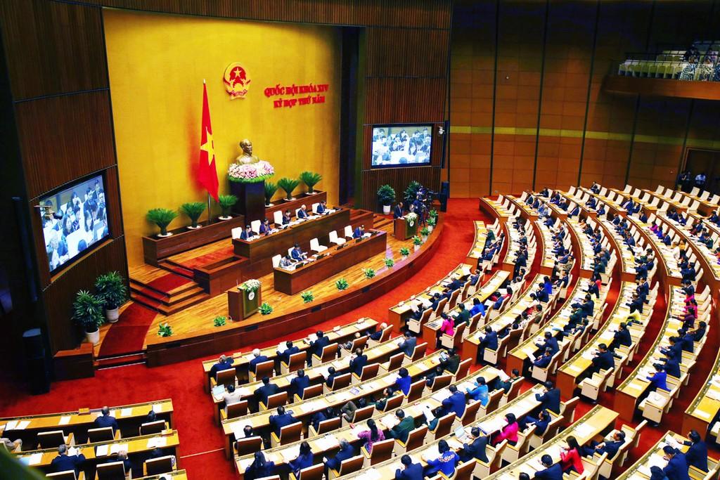 Quốc hội họp toàn thể tại hội trường. Ảnh: Lâm Hiển