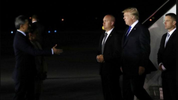 Những hình ảnh đầu tiên của ông Trump và ông Kim Jong Un ở Singapore - ảnh 2