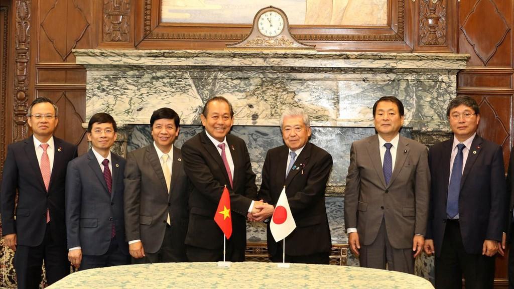 Phó Thủ tướng Thường trực Trương Hòa Bình hội kiến Chủ tịch Thượng viện Nhật Bản Chuichi Date. Ảnh: Lê Sơn