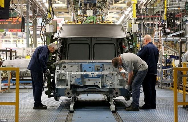 Chuyên gia cảnh báo thiệt hại kinh tế đối với Canada nếu Mỹ áp thuế ô tô. (Nguồn: Daily Mail)
