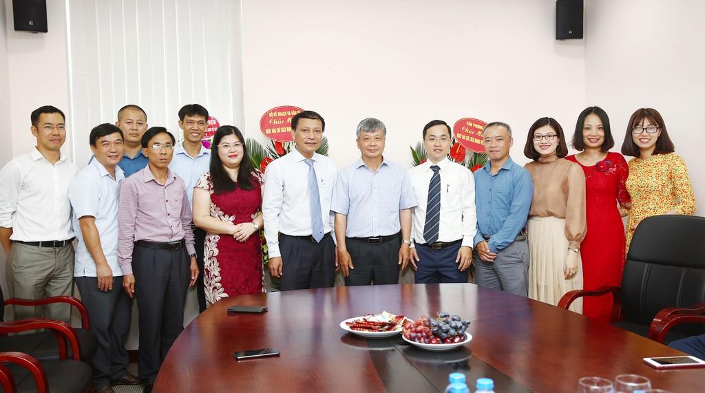 Lãnh đạo Bộ Kế hoạch và Đầu tư chúc mừng Báo Đấu thầu nhân Ngày Báo chí cách mạng Việt Nam - ảnh 2