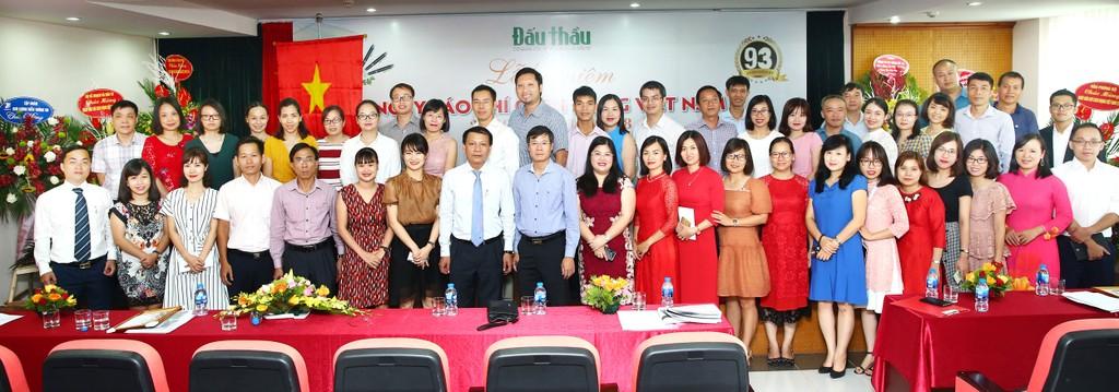 Lãnh đạo Bộ Kế hoạch và Đầu tư chúc mừng Báo Đấu thầu nhân Ngày Báo chí cách mạng Việt Nam - ảnh 4