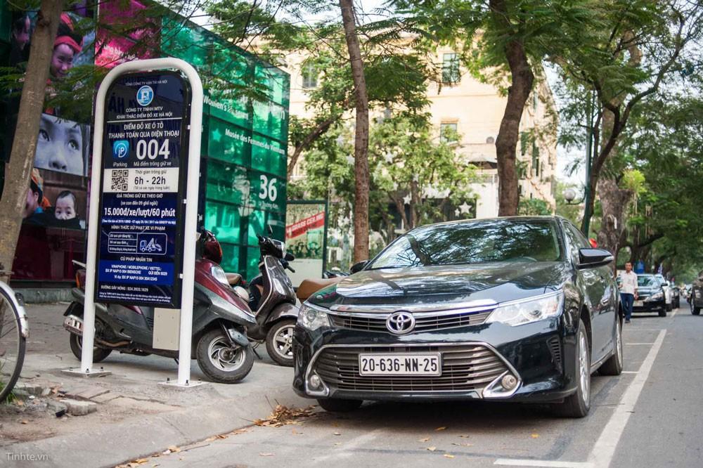 Iparking chính thức triển khai tại Hà Nội từ 1/7/2018 sẽ góp phần công khai, minh bạch các vị trí đỗ xe thông qua thiết bị di động. Ảnh: Bích Thảo