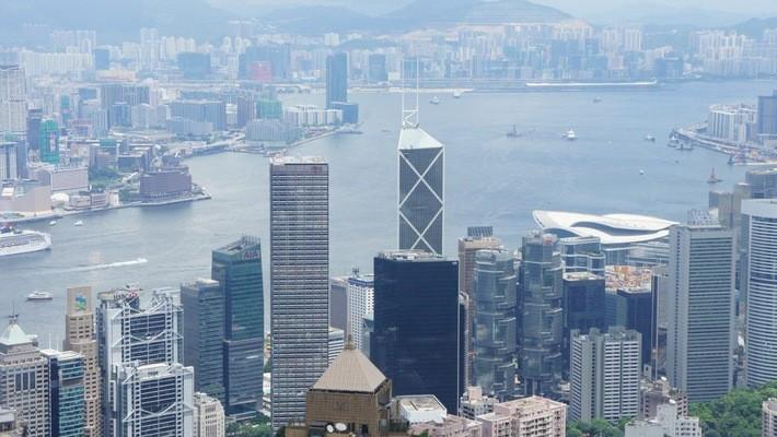 Giá thuê văn phòng tại Hồng Kông hiện cao hơn 30% so với khu vực West End của London - Ảnh: Alarmy.