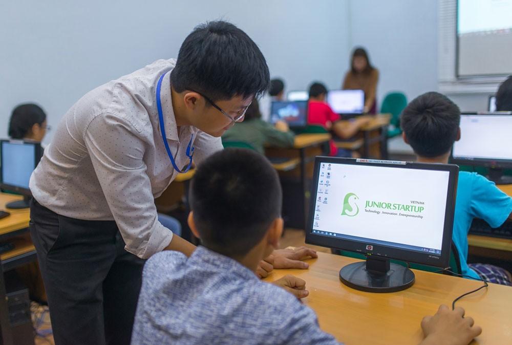 Bộ Khoa học và Công nghệ khuyến nghị xây dựng sàn giao dịch cổ phần của doanh nghiệp khởi nghiệp sáng tạo để thu hút nhà đầu tư tham gia đầu tư cho startup. Ảnh: Quang Tuấn