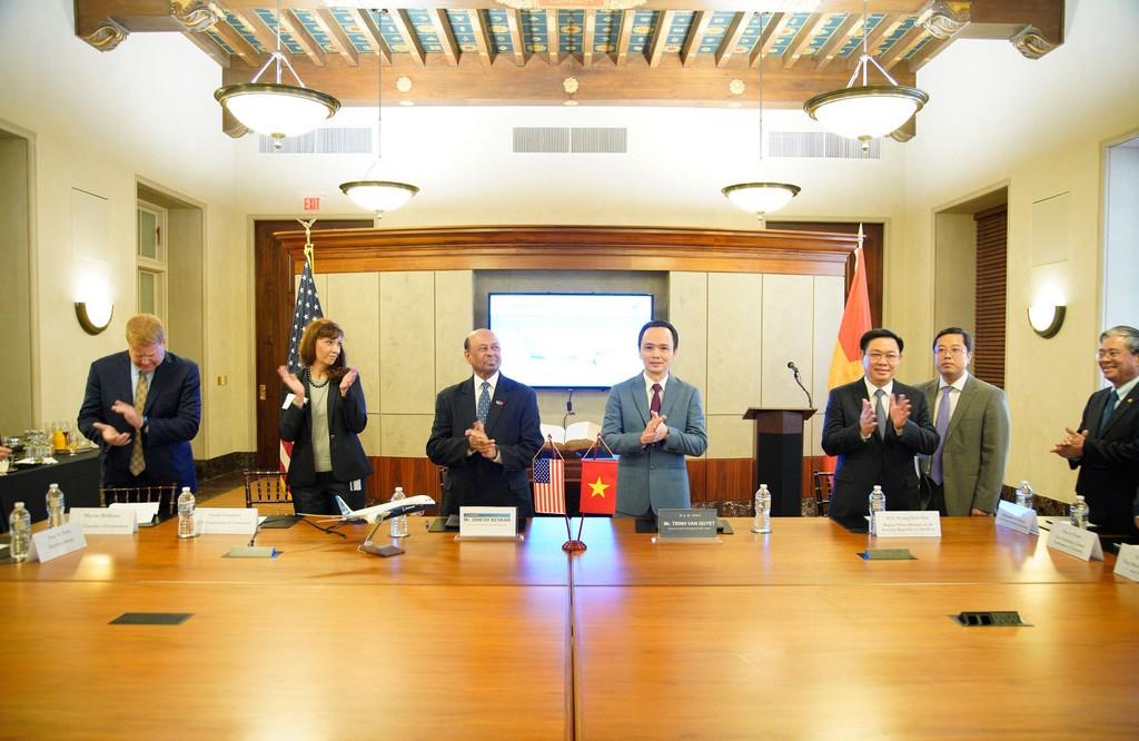 Bamboo Airways ký thỏa thuận mua 20 máy bay Boeing 787-9 Dreamliner trị giá 5,6 tỷ USD - ảnh 1