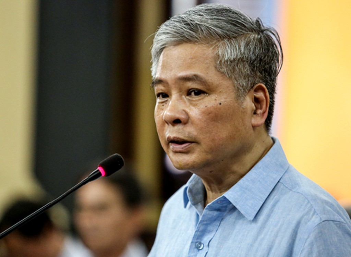 Ông Đặng Thanh Bình nói lời sau cùng trước khi tòa nghị án. Ảnh:Thành Nguyễn.