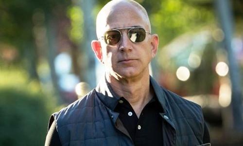 Ông chủ Amazon - Jeff Bezos trong một sự kiện năm ngoái. Ảnh:AFP